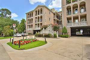 MLS # 36635625 : 58 BRIAR HOLLOW LANE UNIT 307