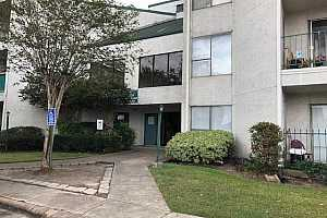 MLS # 72731838 : 2830 S BARTELL DRIVE UNIT 210
