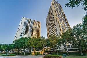 MLS # 24143633 : 15 GREENWAY PLAZA PLAZA UNIT 27A