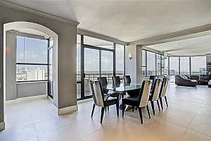 MLS # 11570788 : 14 GREENWAY PLAZA UNIT 21RM