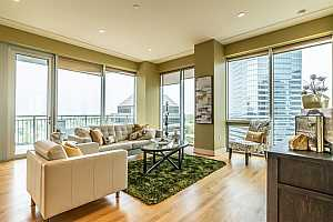 MLS # 30760218 : 1600 POST OAK BOULEVARD UNIT 1401