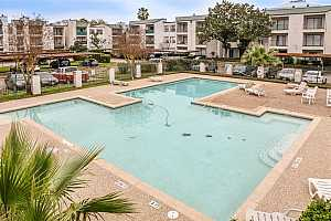 MLS # 35242250 : 2818 S BARTELL DRIVE UNIT 6