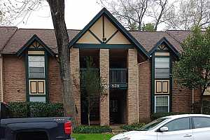 MLS # 46532776 : 8211 KINGSBROOK ROAD UNIT 204