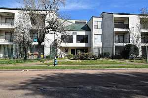 MLS # 3233273 : 2832 S BARTELL DRIVE UNIT 2
