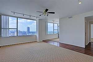MLS # 49076294 : 14 GREENWAY PLAZA UNIT 23M