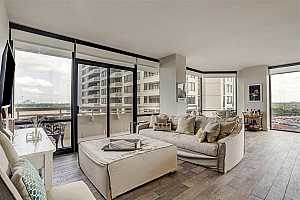 MLS # 38329103 : 14 GREENWAY PLAZA UNIT 12P