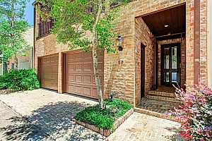 MLS # 26197190 : 10 S BRIAR HOLLOW LANE #57