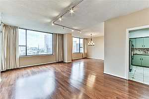 MLS # 39842456 : 15 GREENWAY PLAZA UNIT 11D