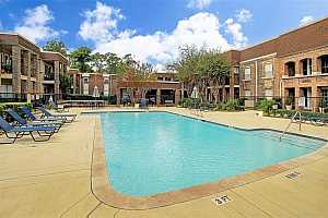 MLS # 39871883 : 7555 KATY FREEWAY UNIT 165