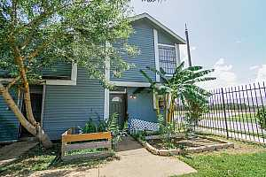 MLS # 67591688 : 8323 WILCREST DR DRIVE #1002