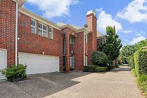 MLS # 87481674 : 2001 NANTUCKET DRIVE UNIT B