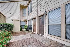 MLS # 59939127 : 2277 S KIRKWOOD ROAD UNIT 306
