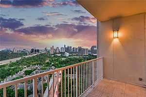 MLS # 15111959 : 121 N POST OAK LANE N #2203