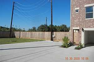 MLS # 74070680 : 11606 MAIN MAPLE DRIVE