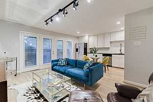 MLS # 89296303 : 3936 W ALABAMA STREET #8