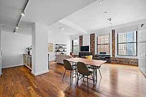 MLS # 38487787 : 915 FRANKLIN STREET #8B