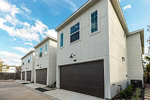 More Details about MLS # 49423475 : 1602 WEST SIDE GARDENS LANE