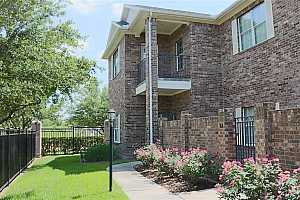 More Details about MLS # 84392103 : 2865 WESTHOLLOW DRIVE #84