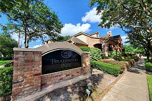 More Details about MLS # 46757293 : 2255 BRAESWOOD PARK DRIVE #124
