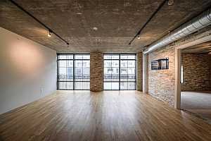 More Details about MLS # 61399687 : 1005 S SHEPHERD DRIVE #214