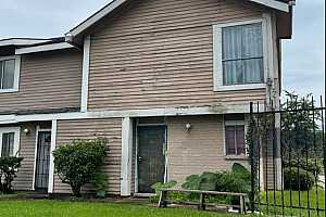 MLS # 28633434 : 8405 WILCREST DRIVE #2900