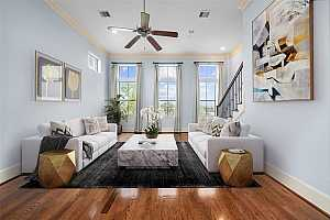 More Details about MLS # 32953158 : 9604 KNIGHT ROAD
