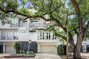 More Details about MLS # 33915799 : 1405 VERMONT STREET #B