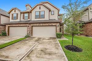 More Details about MLS # 3581374 : 8219 HAWTHORN VALLEY LANE