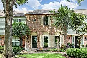 More Details about MLS # 81263142 : 5859 VALLEY FORGE DRIVE #111