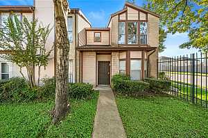 More Details about MLS # 85575789 : 12400 BROOKGLADE CIRCLE #61