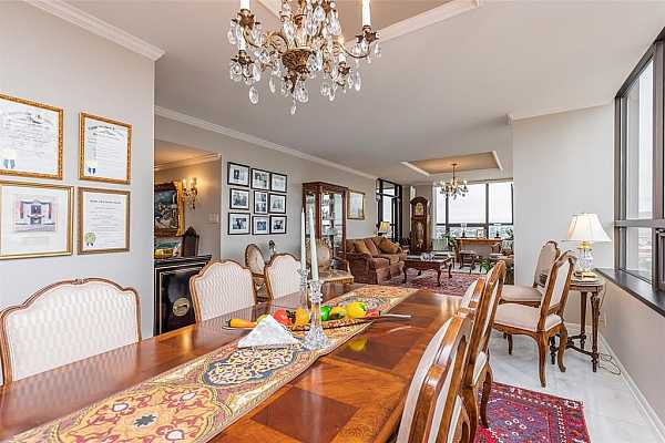 Photo #8 35 feet of living and dining area with amazing views.
