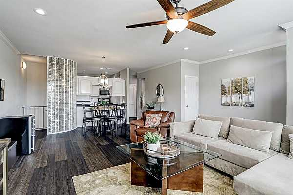 Photo #6 Contemporary mixed with traditional.  A perfect touch of both worlds.
