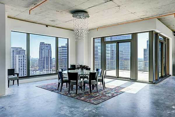 Photo #12 High celings add to the grandeur of this penthouse condo.