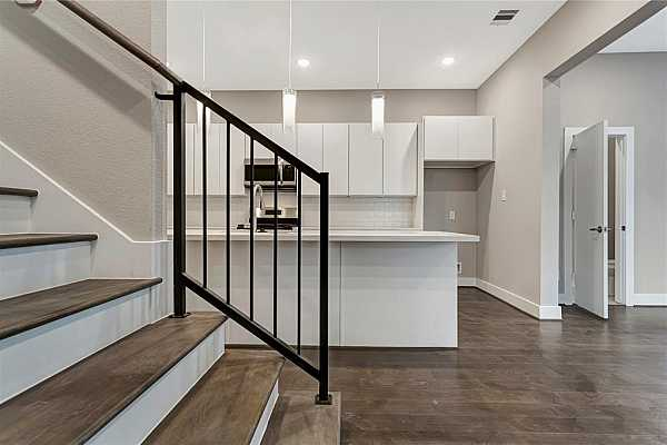 Photo #10 Example of Builder Finishes