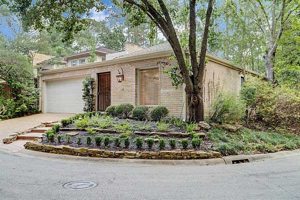 Photo #1 11 Bayou Shadows - Corner lot with guest parking available.