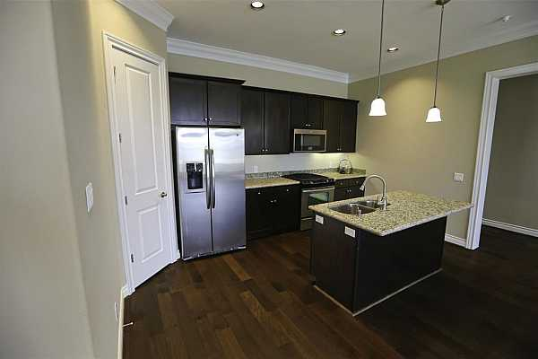Photo #7 Stainless steel appliances