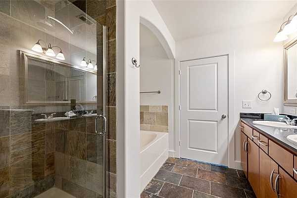 Photo #8 Separate shower and tub