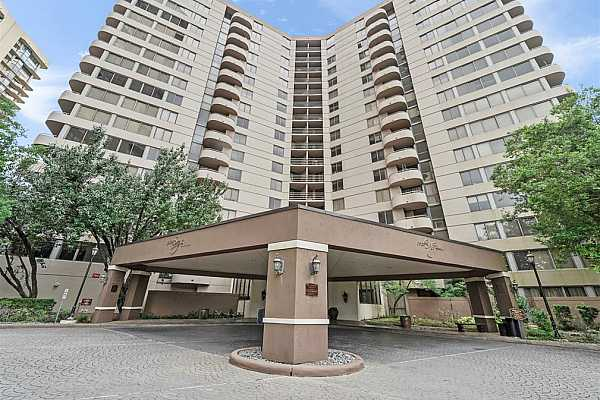 Photo #3 This beautiful 15th-floor unit has two bedrooms and two full and a half baths. This condo comes with assigned parking for two vehicles and additional guest parking.