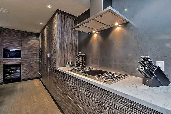 Photo #11 Custom Kitchen with everything that yoo can imagine!