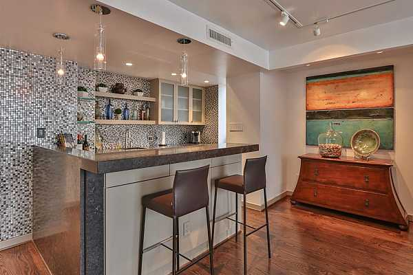 Photo #11 Open kitchen with natural stone breakfast bar. Perfect for entertaining.