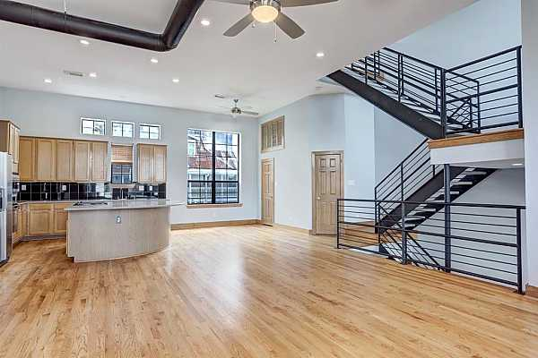 Photo #7 Very Spacious living/dining area.  Perfect for those that love to entertain.