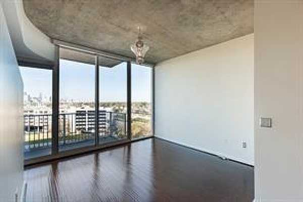 Photo #1 Living room WIth a panoramic view