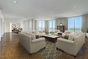 Browse active condo listings in INWOOD MANOR