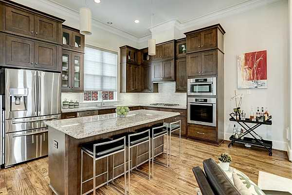 Photo #8 This amazing kitchen is a home chef