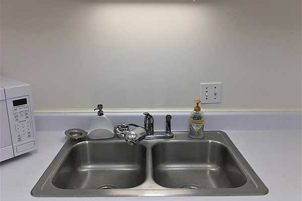 Photo #8 Stainless steel double compartment sink with spray