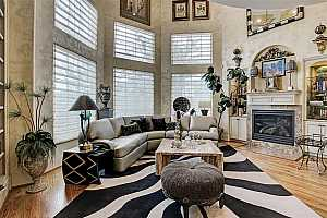 Browse active condo listings in TOWNHOUSE MANOR