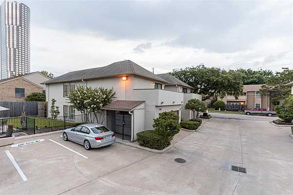 Photo #3 Prime location in the neighborhood with direct access to backyard and pool.