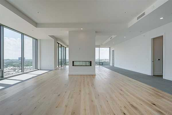 Photo #12 Top of the line appliances: Sub-Zero Refrigerator, Wolf double convection oven.