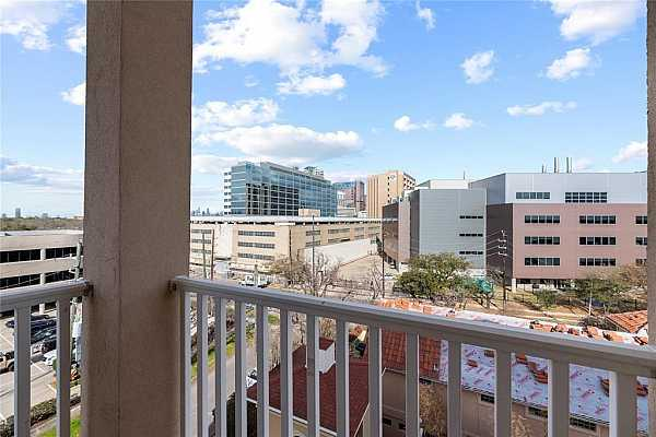 Photo #4 Corner 3rd floor unit views.  Walking Distance to Restaurants, Medical Center & so much more!  Great location!