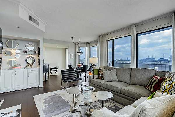 Photo #5 The dry bar area in the living room is perfect for entertaining.
